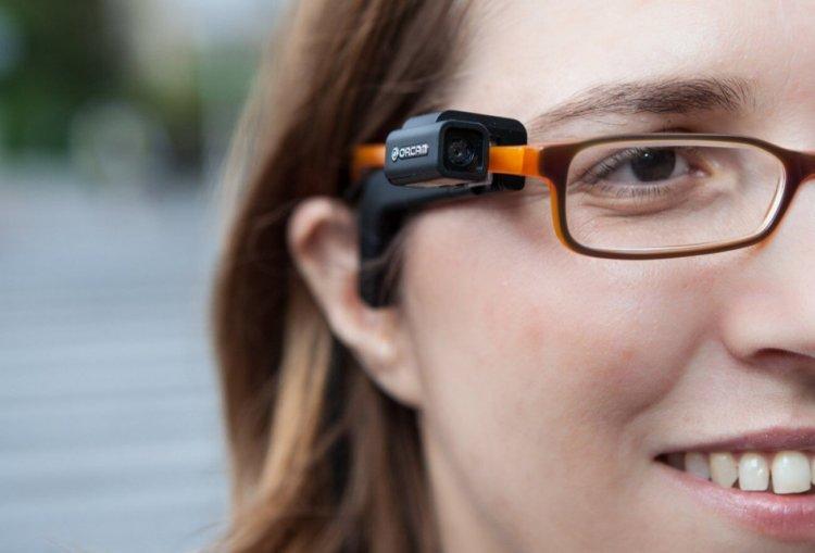 Устройство OrCam поможет увидеть слепым