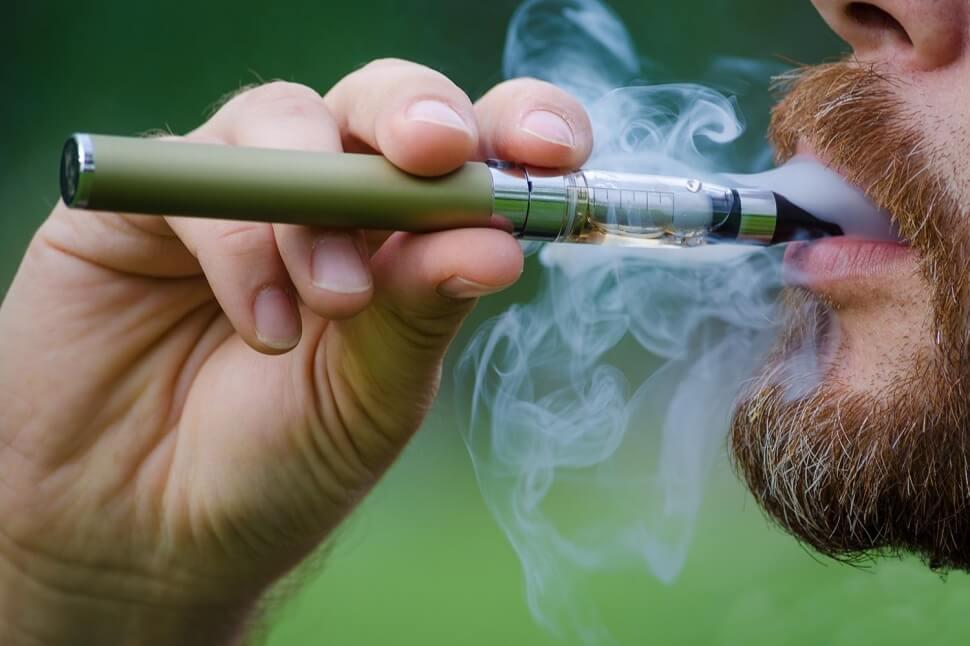 Электронные сигареты ничуть не безопаснее обычных