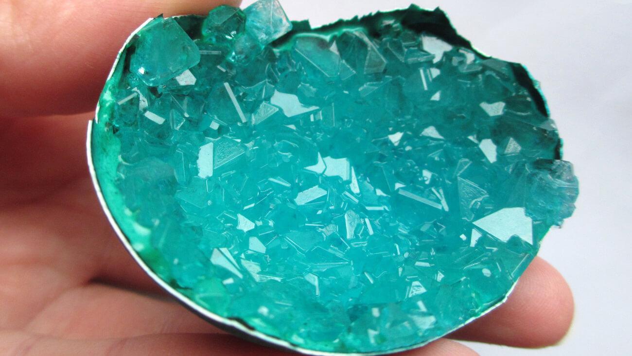 #химия Выращиваем подобие природного кристалла - новости науки на Hi-News.ru