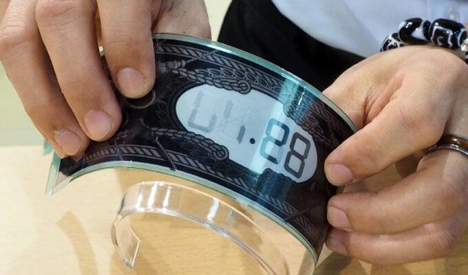 Ink показала гибкие экраны для носимой
