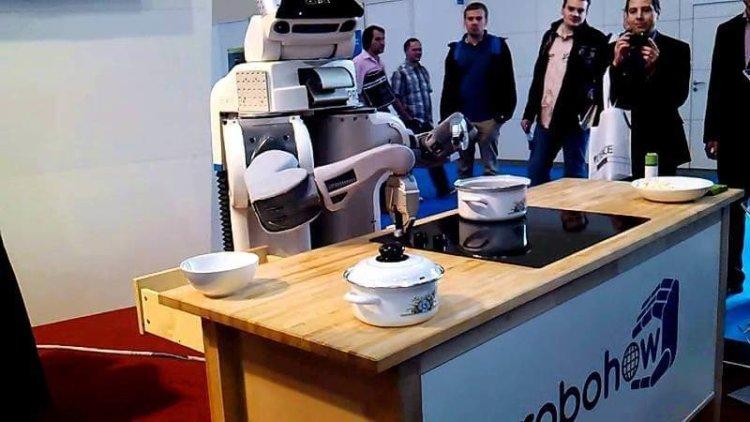Проект RoboHow позволит роботам получать информацию из интернета