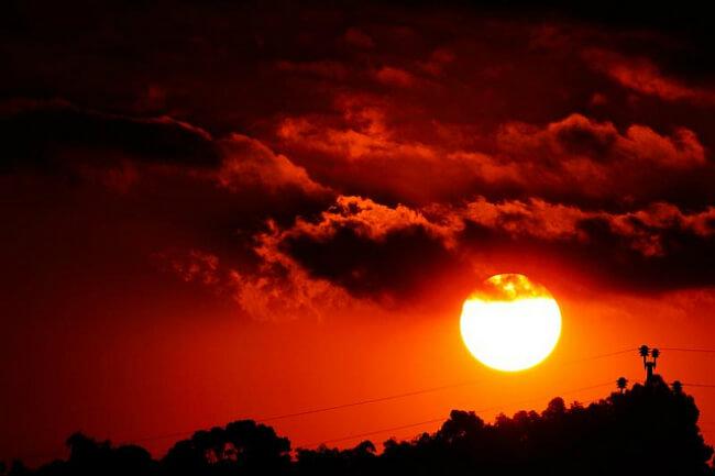 Солнце своим поведением едва не отправило людей в каменный век