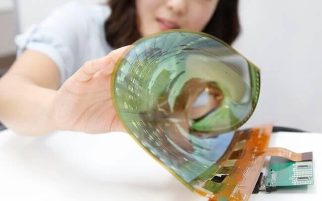 Компания LG обещает выпустить 60-дюймовый телевизор, который можно будет свернуть в трубочку
