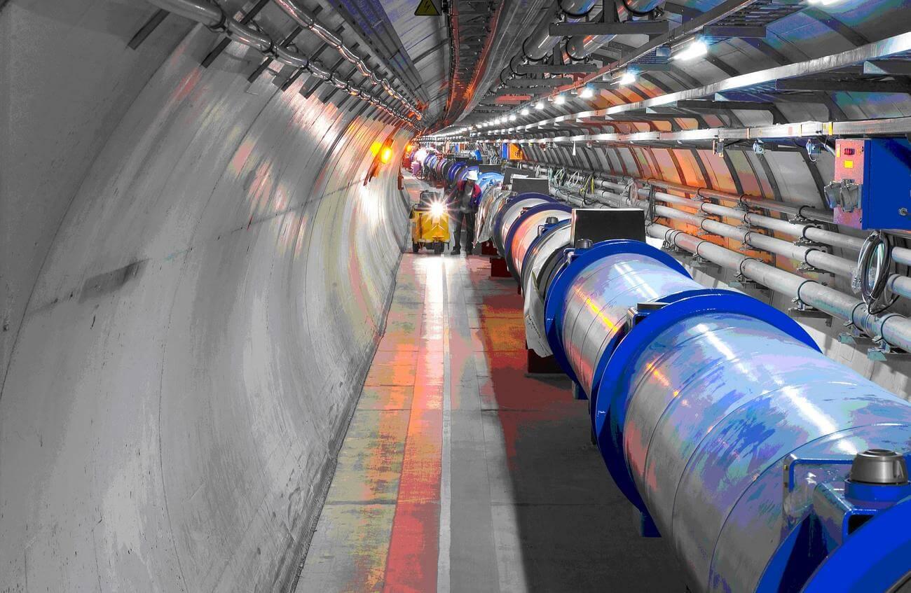 В Китае планируют построить крупнейший в мире коллайдер