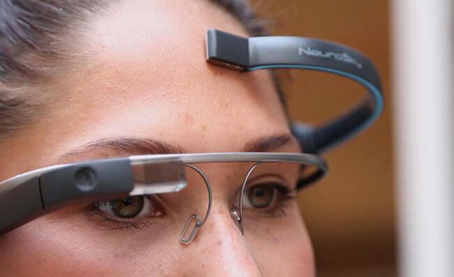 Google Glass теперь можно управлять при помощи мыслей