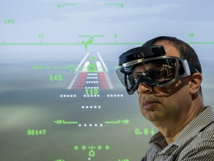 Как работают умные очки Skylens для пилотов вертолетов?