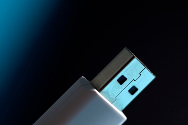 Обнаружена критическая уязвимость в USB-интерфейсе