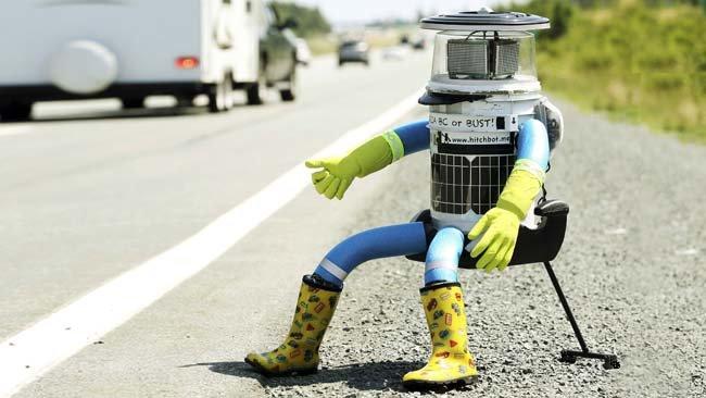 Робот hitchBOT завершил свое путешествие по Канаде