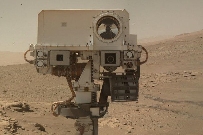 #фото дня | Как изменился марсоход Кьюриосити за два года пребывания на Марсе