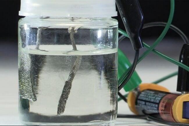 Создан расщепитель воды работающий от батарейки
