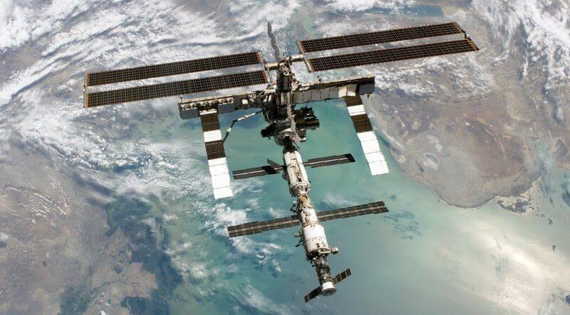 SpaceX и Boeing займутся доставкой американских астронавтов на МКС