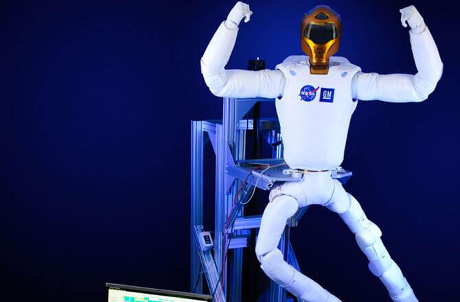 Robonaut 2 получил ноги