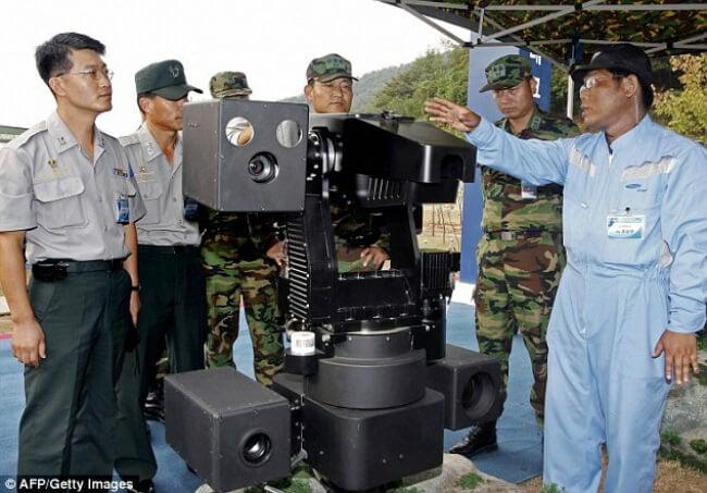 Демонстрация робота SGR-1