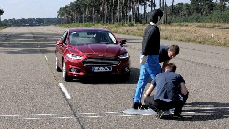 Автомобили концерна Ford станут гораздо безопаснее для пешеходов