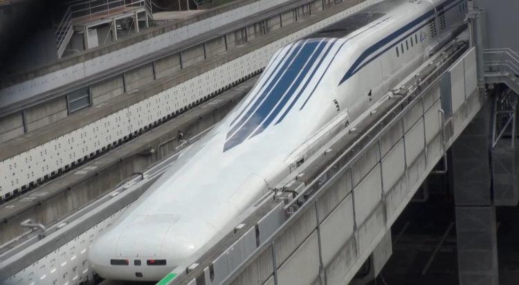 Маглев поезд в Японии