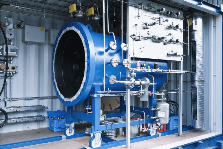 Німецька компанія навчилася синтезувати бензин із води
