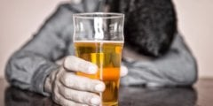 Таблетки для лечения алкоголизма стали доступны жителям Великобритании