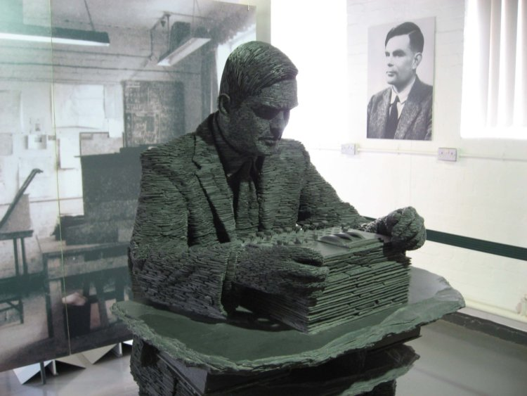 Алан Тьюринг