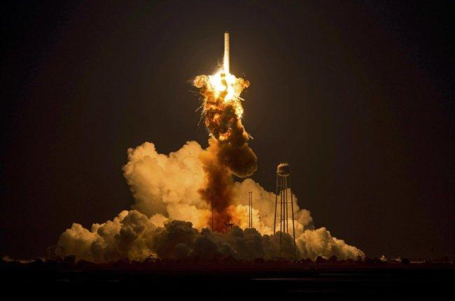Взрыв ракеты Antares