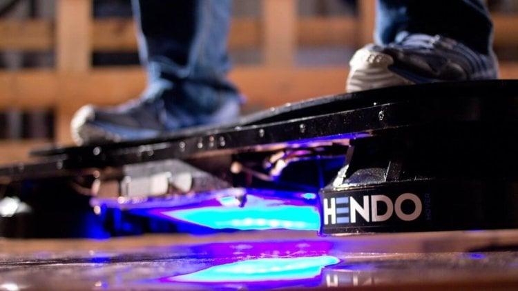 Скейтбордист Тони Хоук опробовал первый в мире ховерборд
