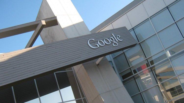 Google показала самоуправляемый автомобиль