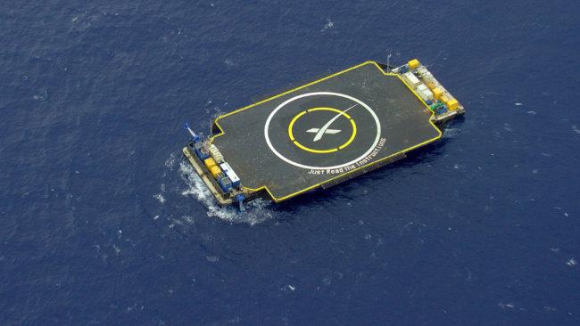 Ракету Falcon 9 вновь попытались посадить на плавучую платформу