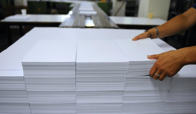 FRANCE-INDUSTRY-MANUFACTURING-PAPER