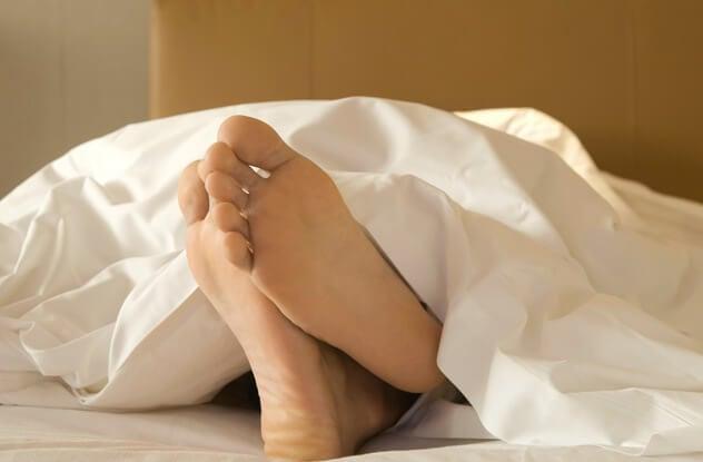 когда сплю дергаются ноги