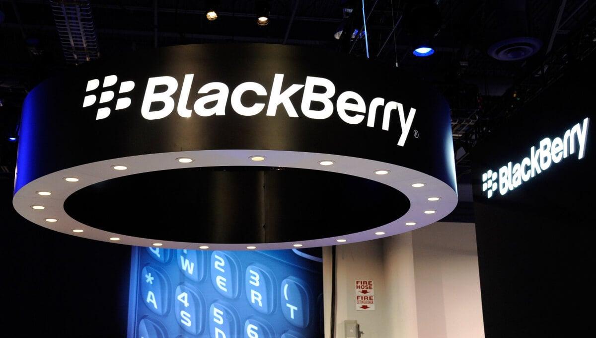 Убыток BlackBerry в I полугодии составил $17 млн против прибыли год назад