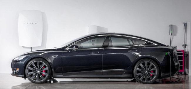 Компания Tesla представила домашний аккумулятор Powerwall