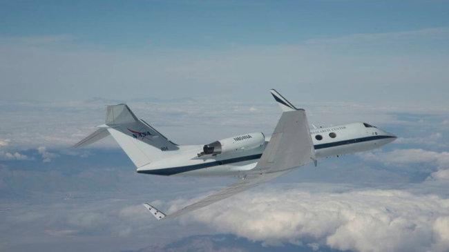 NASA успешно испытало технологию крыла-трансформера самолета