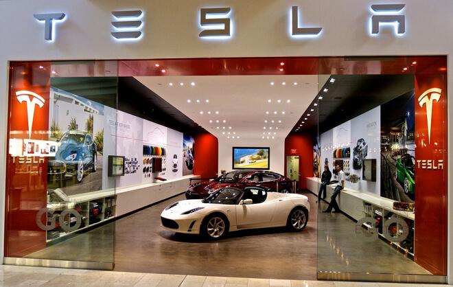 Tesla покажет