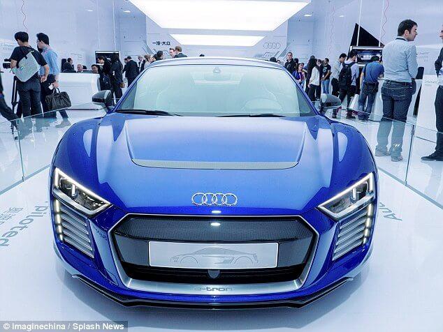 Audi R8 e-tron front