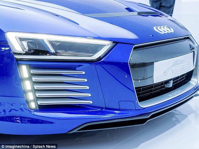 Audi R8 e-tron lights