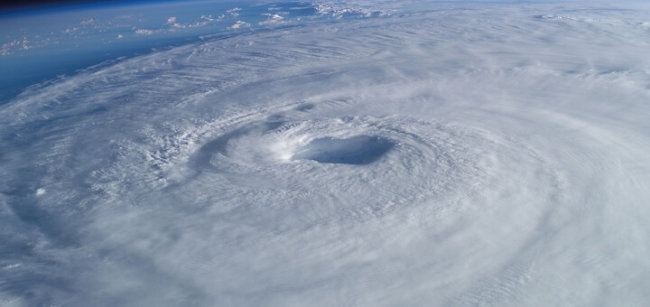 Вид на ураган с МКС