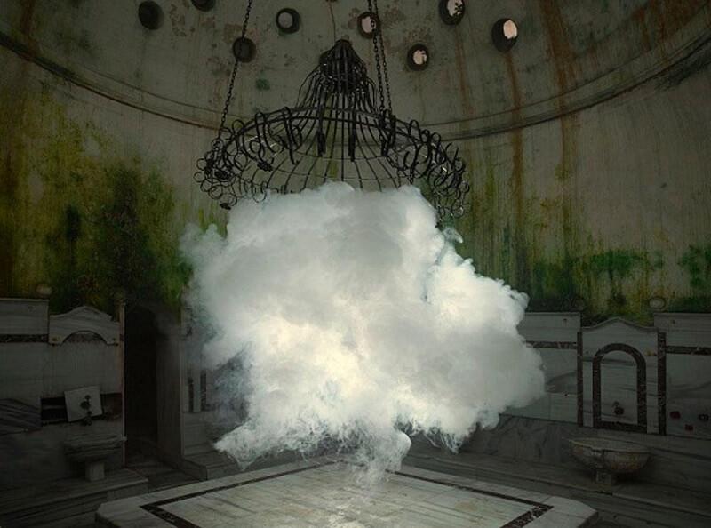 Художник создаёт реалистичные облака внутри помещений