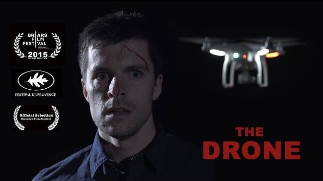 #видео дня | Трейлер несуществующего фильма ужасов про дрон-убийцу