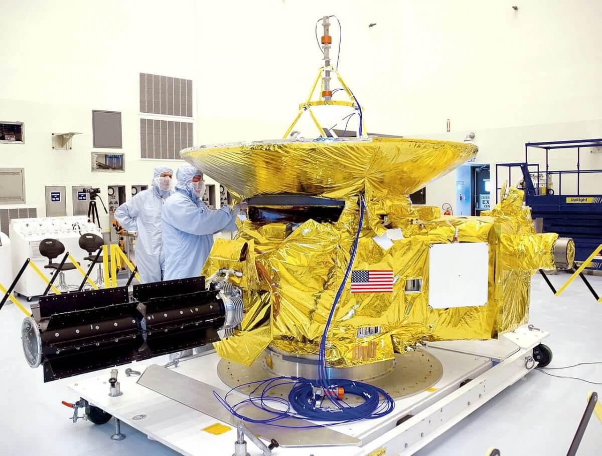 11 невероятных фактов о миссии «Новых горизонтов» к Плутону