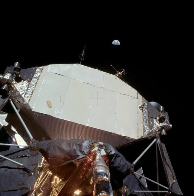 Earth_over_Apollo_11_Lunar_Module