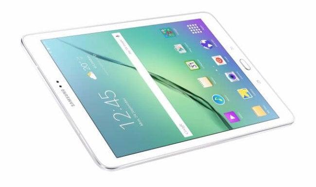 Новый планшет Samsung тоньше iPad Air