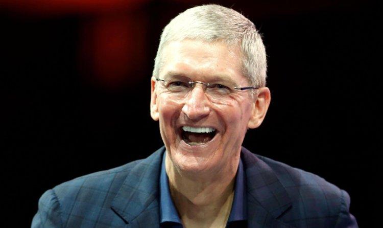 50 миллиардов долларов за квартал: Apple  продолжает купаться в деньгах