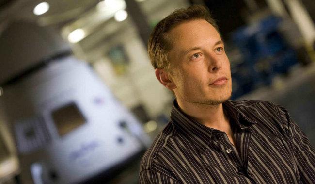 Элон Маск: создание сети коммуникационных спутников откладывается