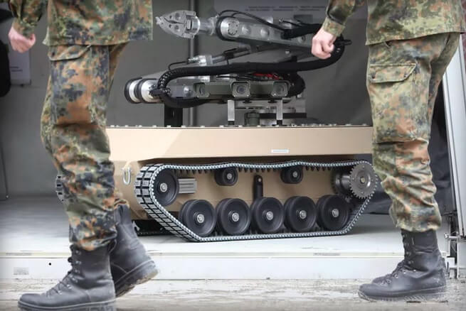 Маск, Хокинг и другие ученые: использование ИИ в военных целях приведет к Армагеддону