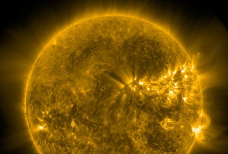 Агентству NASA удалось запечатлеть «плевок Сатаны»