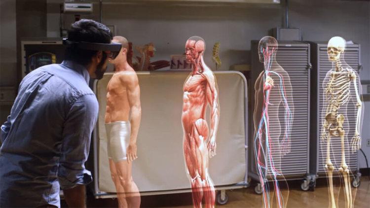 Как гарнитура HoloLens поможет усовершенствовать медицинское образование