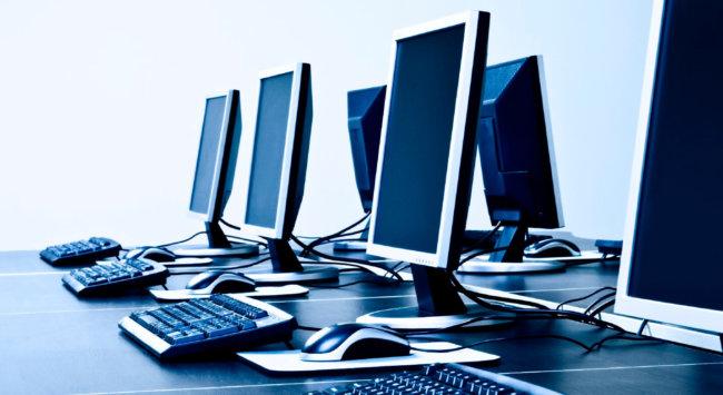 Мировые продажи персональных компьютеров стремительно падают