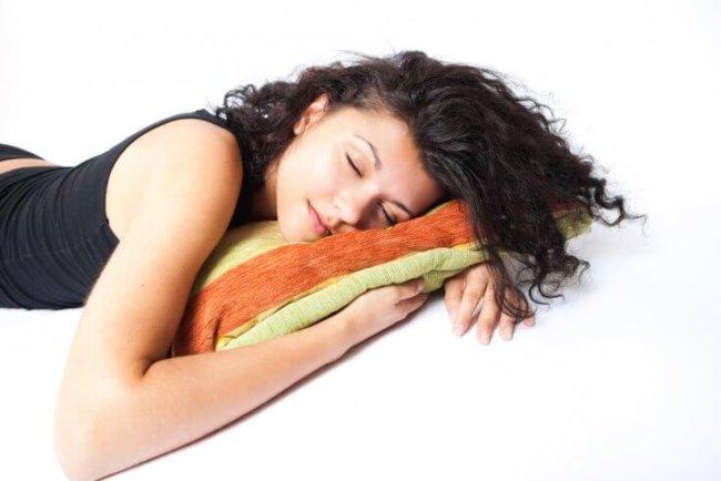 Нарушение сна повышает риск развития рака и ведет к лишнему весу