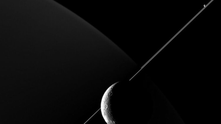 Сатурн и Диона