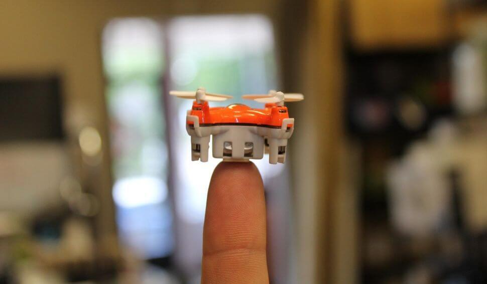 Aerius – самый миниатюрный дрон-квадрокоптер в мире