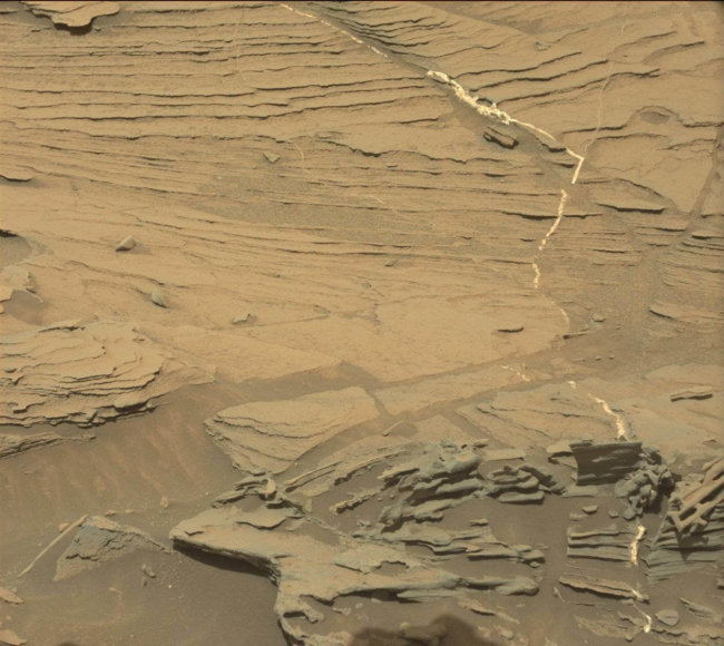 floating-spoon-on-mars